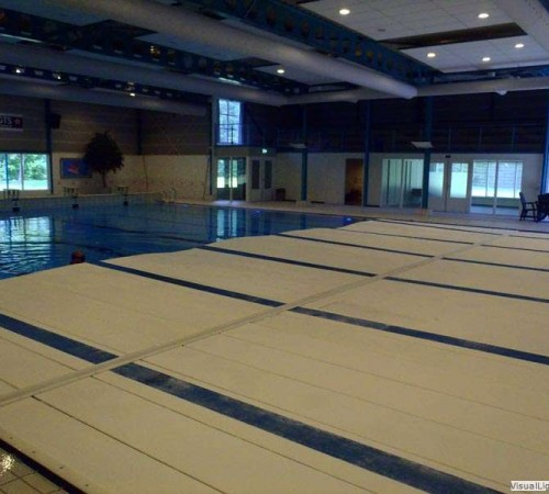 Reinigen klep beweegbare bodem Orka zwembadreparatie
