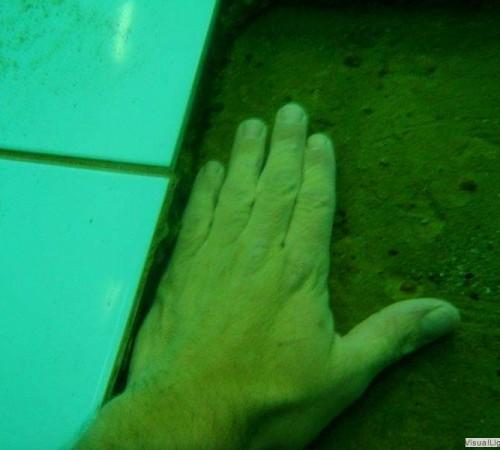 Verzanding onder tegelwerk Orka zwembadreparatie